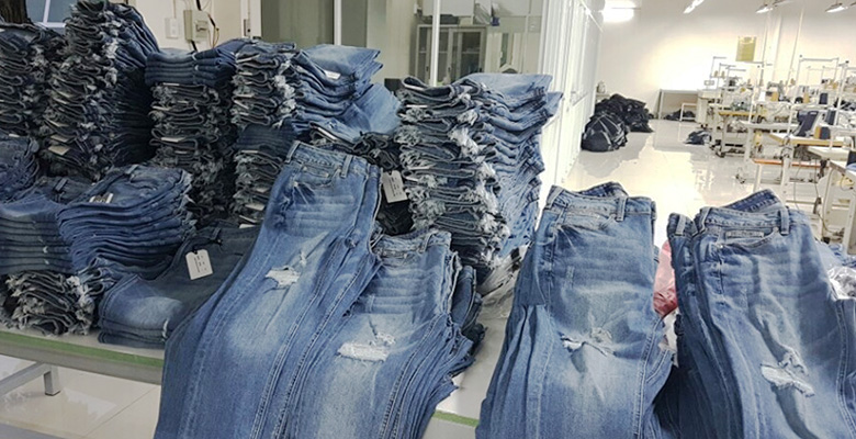 Top 5 nhà cung cấp quần áo giá sỉ tại TpHCM