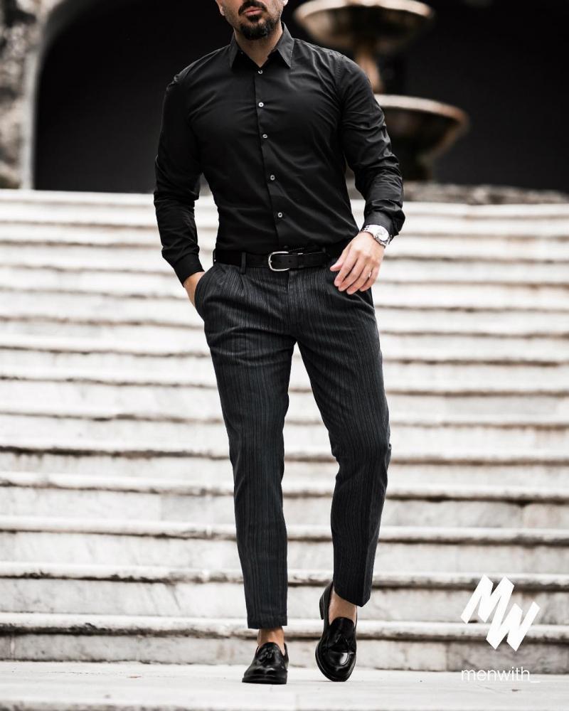 Sơ mi đen – mốt áo giúp chàng thanh lịch hơn dù diện xuống phố