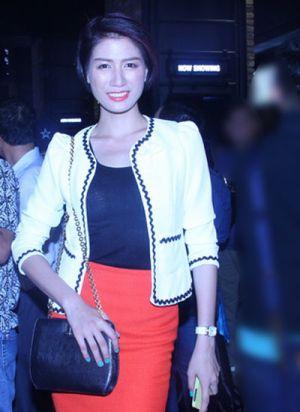 Cô nàng Trang Trần duyên dáng với phong cách công sở tự tin