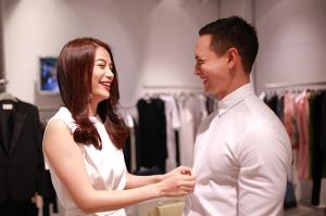 Trương Ngọc Ánh sành điệu bên bạn diễn Kim Lý