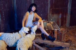 Các thí sinh Next Top tạo dáng với BST len lông cừu độc đáo