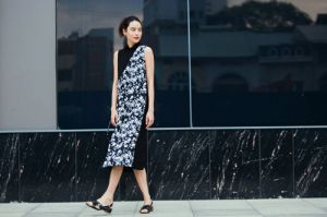 Chị em Hà thành rủ nhau tìm váy đẹp cho ngày hè thoải mái