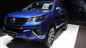 Hình ảnh chi tiết 3 động cơ trên Toyota Fortuner 2016