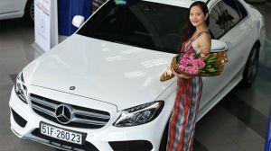 Hoa hậu Đông Nam Á Diệu Linh tậu chiếc Mercedes C250 AMG
