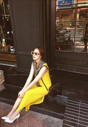 """Những phong cách đường phố """"chất miễn chê"""" của mĩ nhân Việt"""