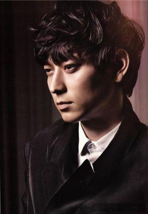 Huyền bí vẻ đẹp của Kang Dong Won
