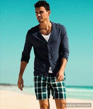 Mẹp Mix đồ đi biển đa phong cách cho các chàng gợi cảm