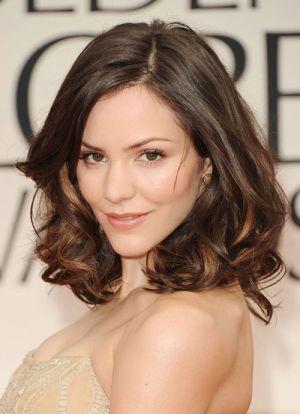 Kiểu tóc ngắn cho phụ nữ tuổi 30 đi dự tiệc lịch lãm