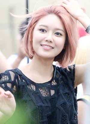 Kiểu tóc ngắn hàn quốc đẹp của Soo Young SNSD mạnh mẽ