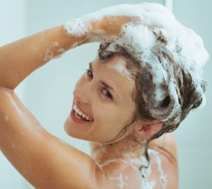 Những cách làm giảm màu tóc nhuộm đơn giản hiệu quả