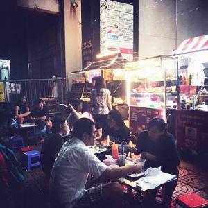 Thử thách vị giác với đậu hũ thối giữa lòng Sài Gòn