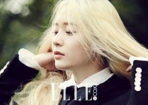 Tóc nhuộm màu vàng bạch kim đẹp của sao Hàn Quốc