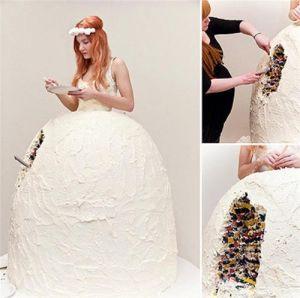 Những chiếc váy cưới điên rồ ai cũng lắc đầu ngán ngẩm