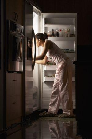 10 thói quen khi ngủ khiến bạn béo lên chỉ sau vài đêm