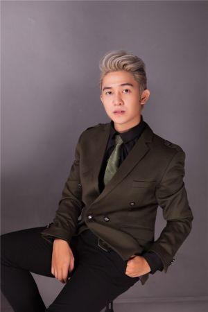 Mẹo mặc vest đầy lãng tử từ Trương Quốc Bảo
