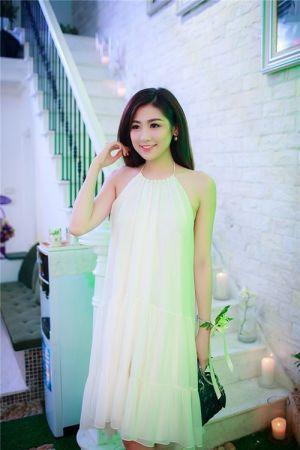 Ngọc Hân, Tú Anh xinh như 'tiên nữ' với váy áo trắng tinh