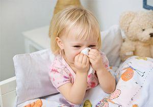 Các mẹ cần biết vệ sinh mũi cho bé thế nào là đúng cách