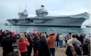 Tàu sân bay tiên tiến nhất của Hải quân Anh bị... vô nước