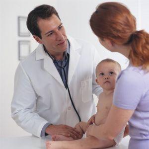 Mẹ nên cẩn trọng sức khỏe của bé trong những điểm giao mùa