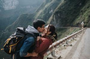 Cặp đôi liều mình lên đỉnh Mã Pì Lèng chụp ảnh cưới trong 2 ngày