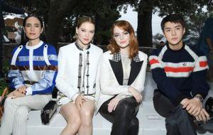 Những sao KPop quyền lực hơn trên hàng ghế đầu show thời trang