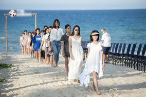 Show thời trang trẻ em bên bờ biển 2 tỷ đồng của Xuân Lan