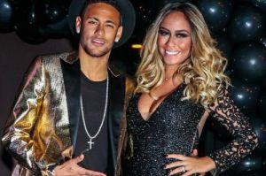 Em gái tiền đạo Neymar đầy giợi cảm