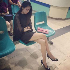 Hot girl ngủ gật gây sốt mạng xã hội hiện nay