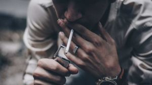 Ngoài ung thư phổi, hút thuốc còn gây ra hai bệnh kinh hoàng