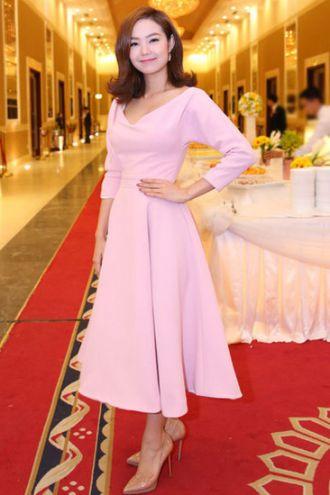 Ca sĩ Minh Hằng dẫn đầu top sao đẹp với phong cách cổ điển truyền kỳ