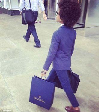 BST Gu ăn mặc cực chất của doanh nhân 9 tuổi khiến ai cũng thích thú