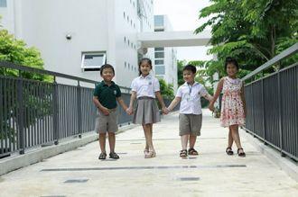 BST đồng phục tiền triệu của học sinh nhà giàu