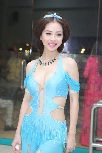 BST trang phục thiếu tinh tế của Jennifer Phạm cao cấp