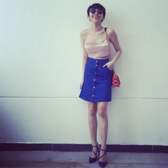 Ca sĩ Tóc Tiên đón đầu trào lưu chân váy hiện đại