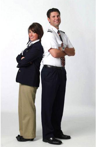 List các bộ đồng phục hàng không bị mọi người chê trách