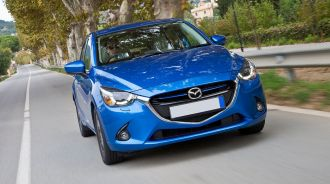 Mazda2 vs. Ford Fiesta: Xe cỡ nhỏ so tài