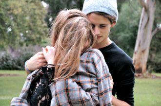 Vì yêu anh, em đã thành một cô gái dịu dàng hơn để hạnh phúc hơn