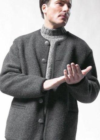 Cách loại bỏ mùi khó chịu của áo khoác len