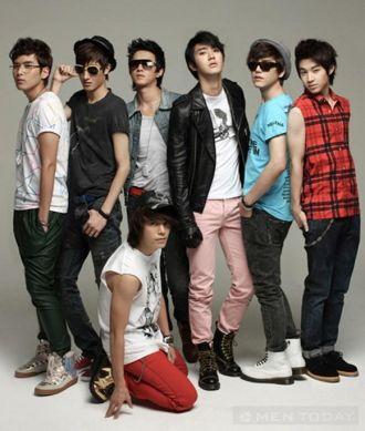 Nhóm Super Junior cá tính cùng những sắc màu thời trang