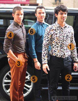 The Jonas Brothers chuộng họa tiết đầy phong cách cho các Boy