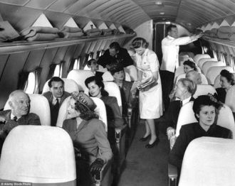 Trang phục của nữ tiếp viên hàng không