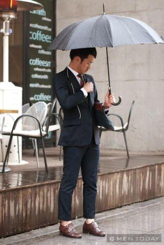 Bạn cần tránh khi chọn đồ ngày mưa