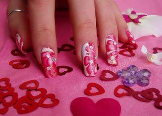 10 mẫu nail họa tiết hình trái tim đỏ đẹp độc đáo