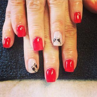 18 mẫu móng tay nail kim tuyến đẹp tuyệt vời cho cô nàng cá tính