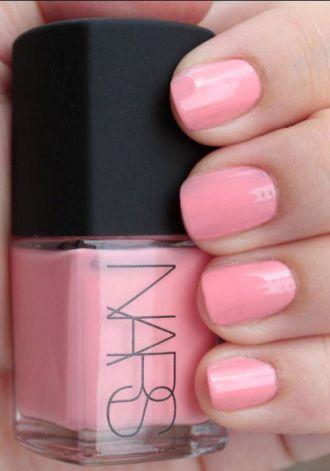 6 màu nail móng tay cho cô nàng quyến rũ tỏa sáng mạnh mẽ