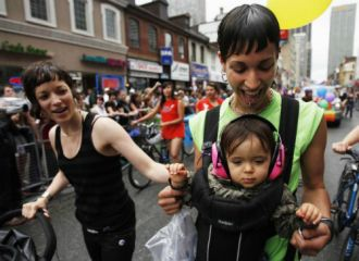 Bố mẹ đồng tính không ảnh hưởng phát triển tâm sinh lý con
