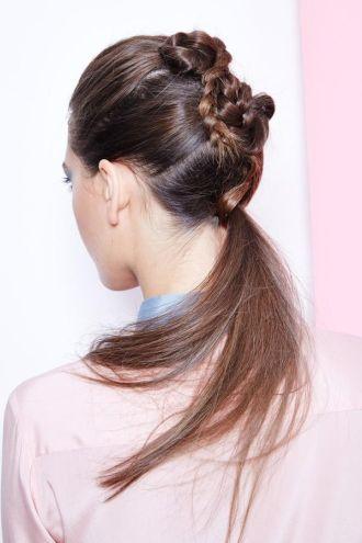 BST cách làm kiểu tóc đuôi ngựa đẹp cho nàng sành điệu dạo phố cuối tuần