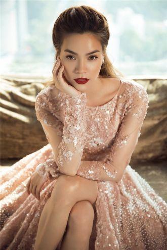 Đọ váy đính ngọc trai màu hồng của Hồ Ngọc Hà, Kỳ Duyên cực sang