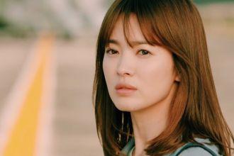 Kiểu tóc chấm vai của bác sĩ Kang Song Hye Kyo chính thức