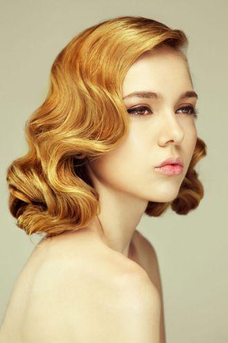 Kiểu tóc uốn gợn sóng cổ điển cho cô nàng đầy sang trọng